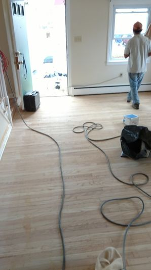 Before & After Hardwood Floor Refinishing in Wallingford, PA (1)