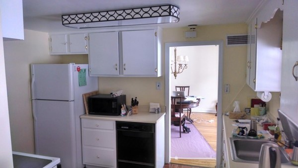 Behr Providence Cream Wall & Mab Semi Cabinets near Philadelphia, PA -  Interior Painting and Ceiling Painting